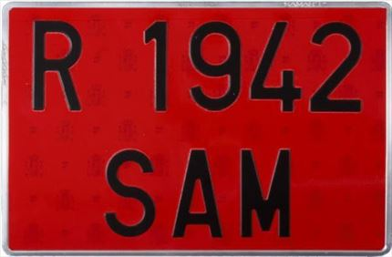 Placa Alta Roja Remolques · Aluminio 520x110mm